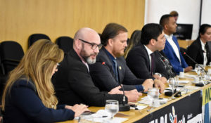 Deolindo Carniel discursou na reunião do MAS